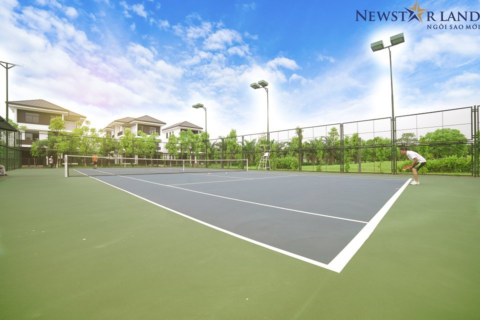 Sân chơi tenis Hado Charm Villa